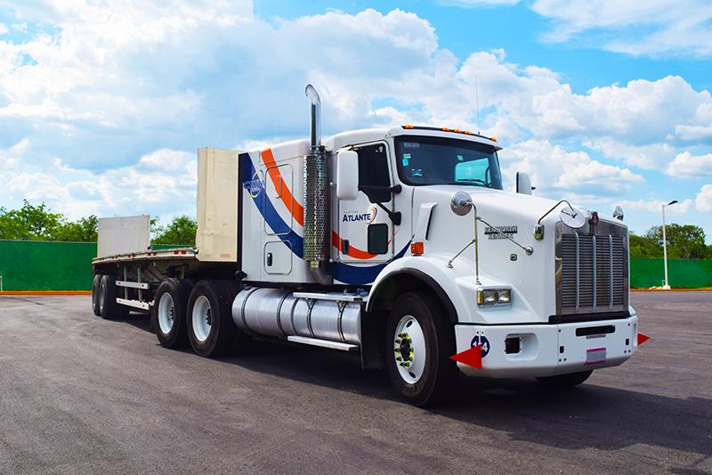 Servicios de logística y transporte de carga en México