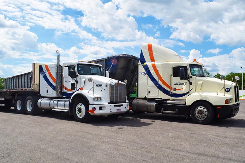 Góndolas de volteo, transporte de carga terrestre en México